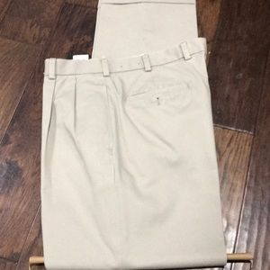 Brooks Brothers men's Pants. Chino -ELLIOT